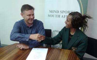 Amanda Pakade signs Partnermedia as a Protea Esports Sponsor