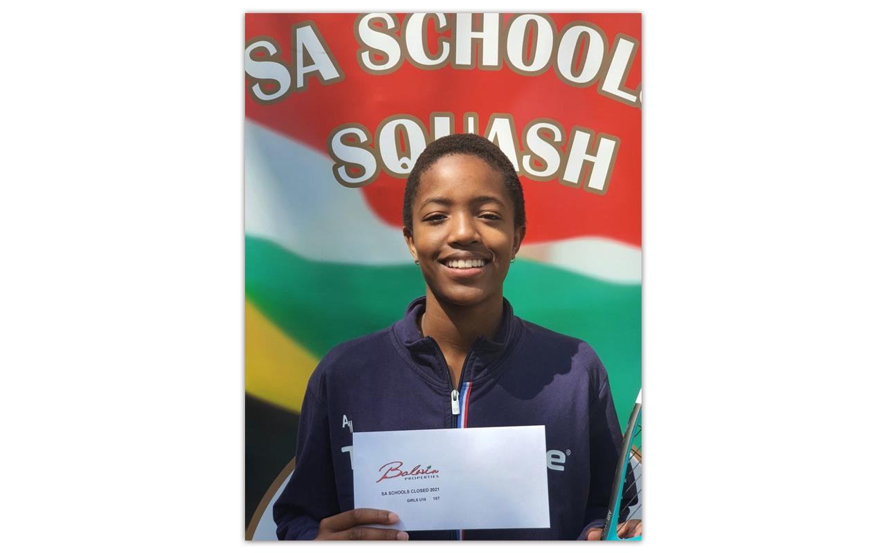 U19 Girls champ Awande Malinga pictured at the Balwin Properties SA Schools Squash Closed 2021 tournament. Photo: Awande Malinga (Twitter)